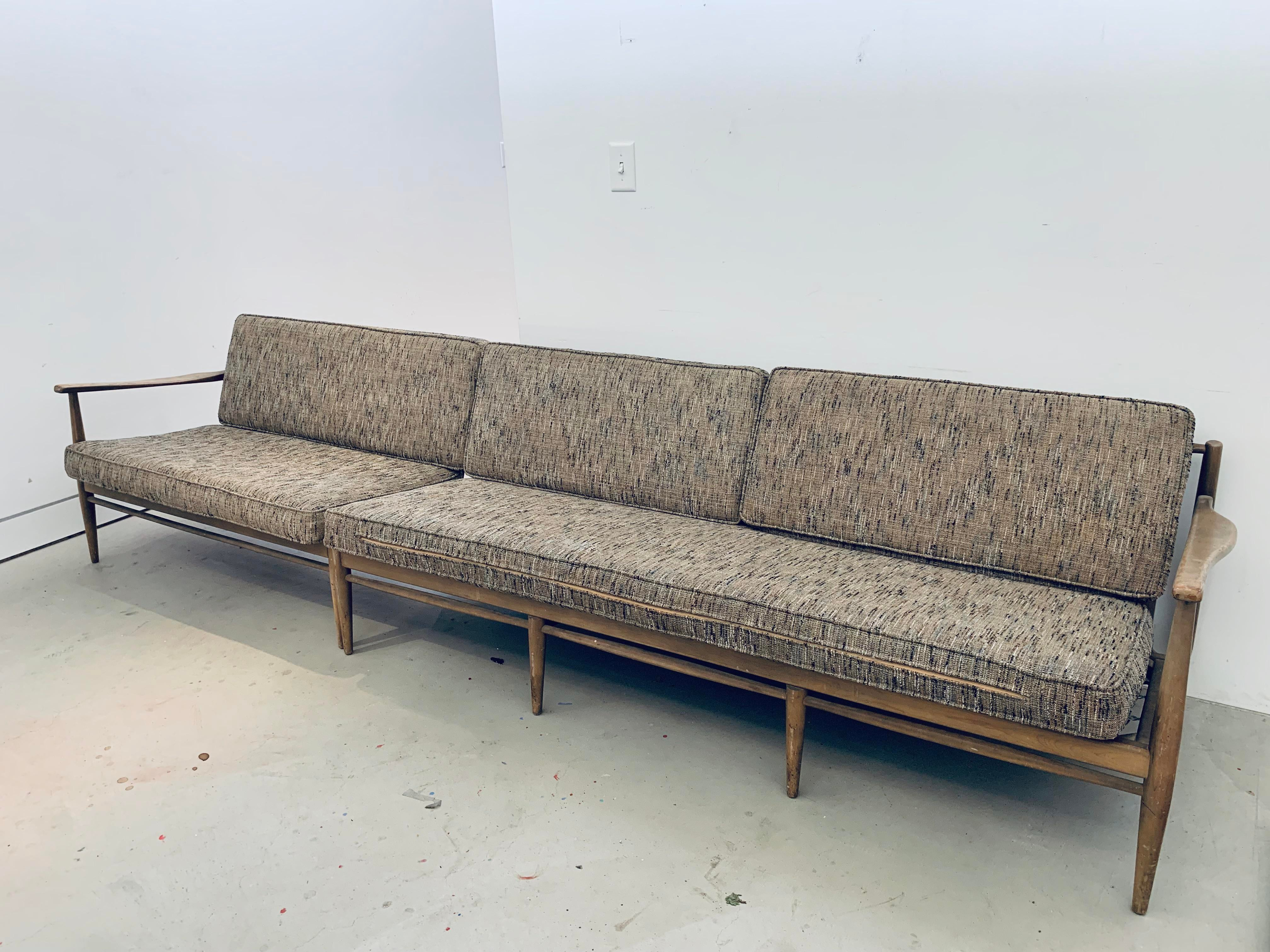Exceptionnel Two Piece Original Mid Century Modern Danish Sofa. May Be Used As A