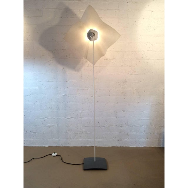 "Artemide ""Area"" Floor Lamp Designed by Mario Bellini for Artemide For Sale - Image 4 of 10"