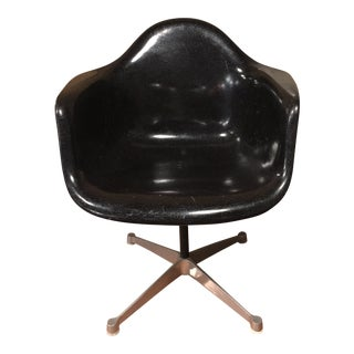 Vintage Herman Miller Eames Shell Chair For Sale