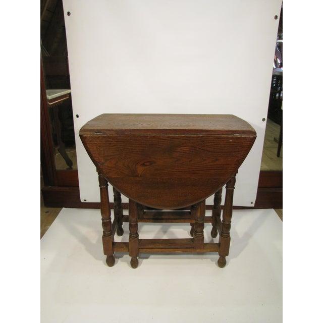 1920s Edwardian Drop Leaf Oak Table For Sale In Boston - Image 6 of 6