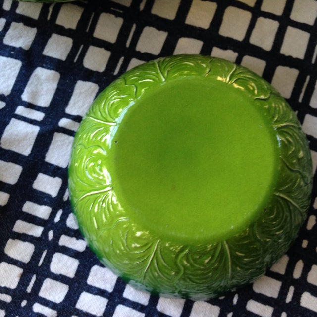 Late 20th Century Vintage Lettuce Salad and Serving Bowls For Sale - Image 5 of 7