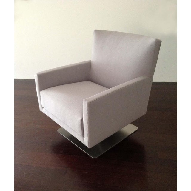 Montis Modern Contemporay European Swivel Chair For Sale - Image 4 of 4