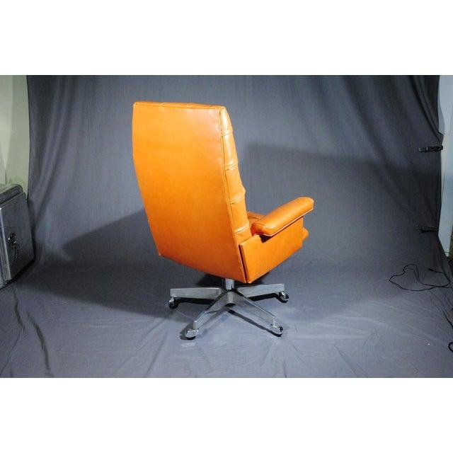 1960's Vintage Swiss De Sede DS 35 Executive Swivel Armchair - Image 3 of 4