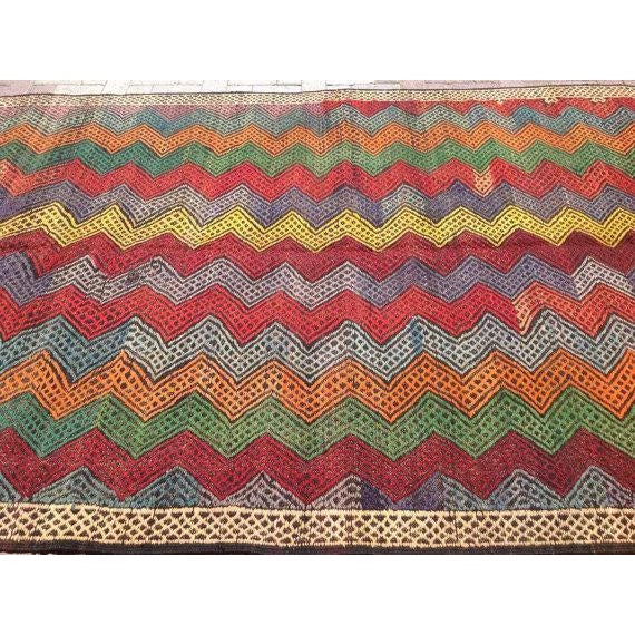 Vintage Turkish Kilim Rug - 6′ × 10′2″ For Sale - Image 4 of 6