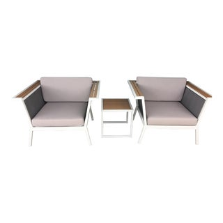 Modern Outdoor Armchairs With Side Table - Set of 3 For Sale