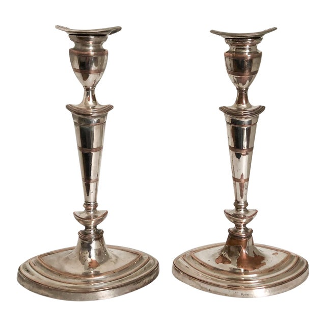Neoclassical English Candlesticks Barker Ellis Silver Co - a Pair For Sale