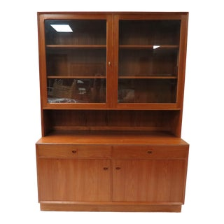 1960s Danish Modern Teak Brouer Møbelfabrik China Cabinet For Sale