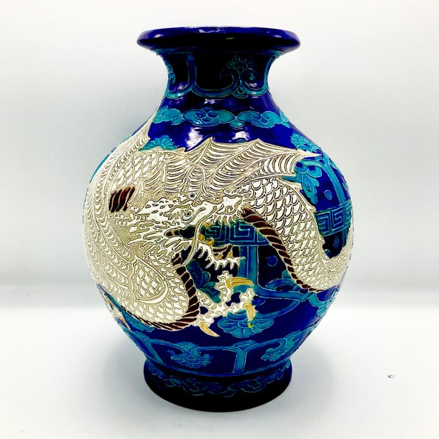 Clay 19th Century Chinese Qing Dynasty Dragon Themed Fahua Ware Vessel For Sale - Image 7 of 7