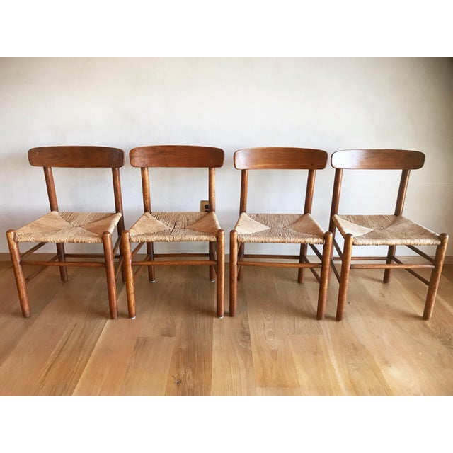 Mid Century Modern Early Edition Danish Børge Mogensen for Fredericia J39 Rush Rattan Chairs - Set of 4 For Sale - Image 12 of 12
