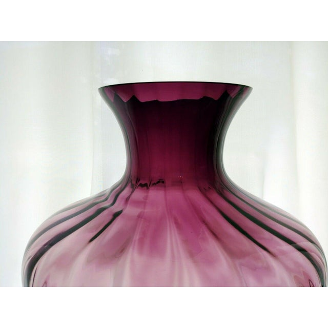 1980s Vintage Pilgrim Glass Co Amethyst/Plum Optic Masterwork Collection Art Glass Vase For Sale - Image 5 of 13