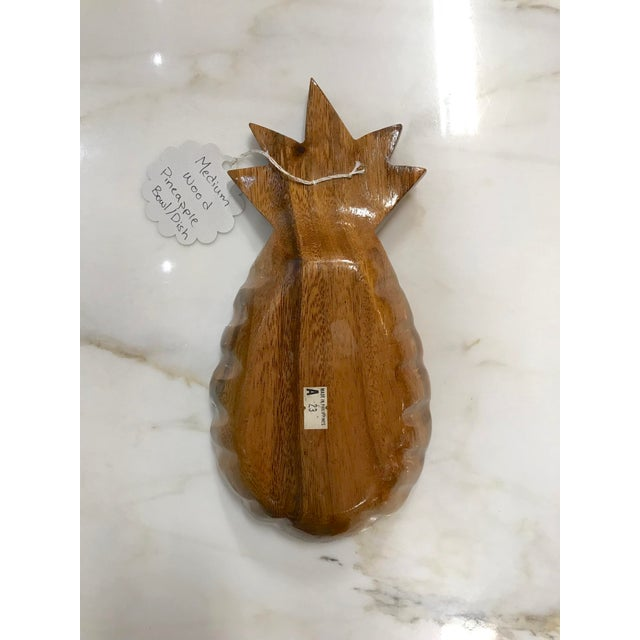 Vintage wood pineapple dish, great for catching keys and loose change, jewelry, and nice filled with candies or snacks.