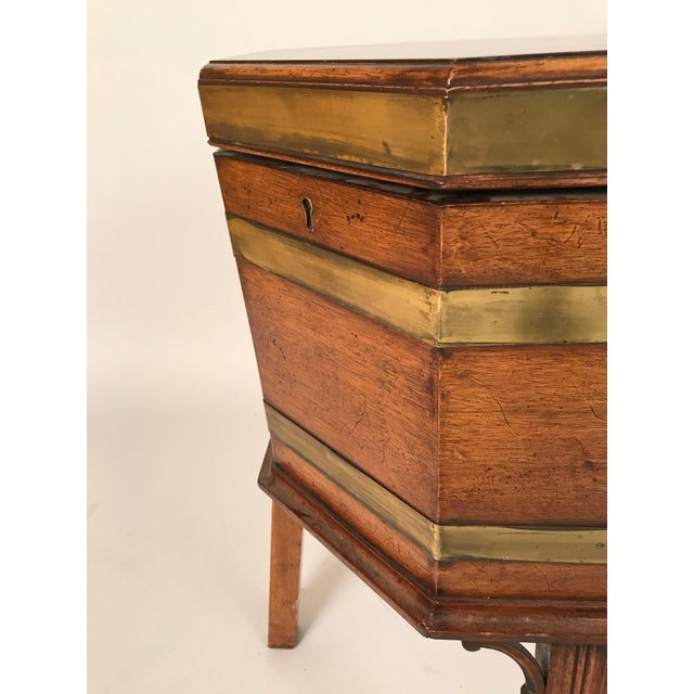 1700s George III Mahogany and Brass Cellarette For Sale - Image 10 of 11