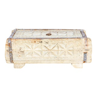 Daisy White Swat Valley Spice Box For Sale