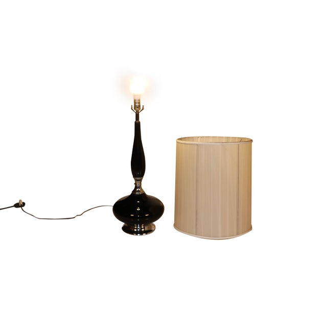 Mid Century Hollywood Regency Black Ceramic Chrome Table Lamp For Sale In Baltimore - Image 6 of 10