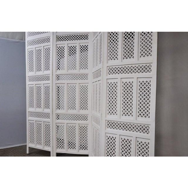 White Vintage Mashrabiya Wooden Floor White Screen For Sale - Image 8 of 13