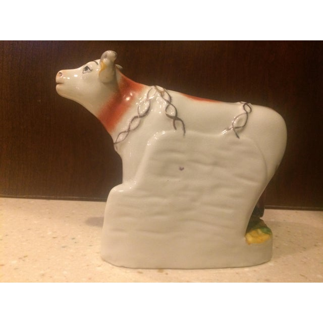 Staffordshire Style Ceramic Cow Figurine For Sale - Image 4 of 7