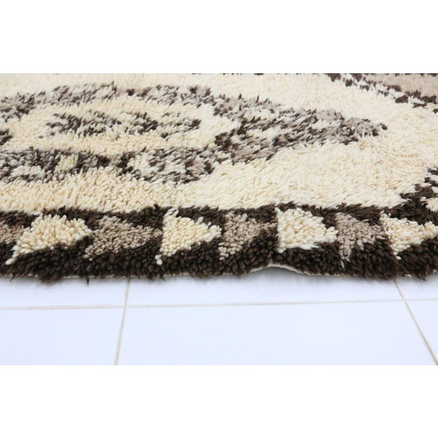 "Boho Chic 1980s Vintage Azilal Rug - 2'11"" X 6'9"" For Sale - Image 3 of 6"