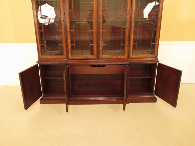 1990s Drexel Heritage Inlaid Mahogany 4 Door China Cabinet For Sale   Image  5 Of 13