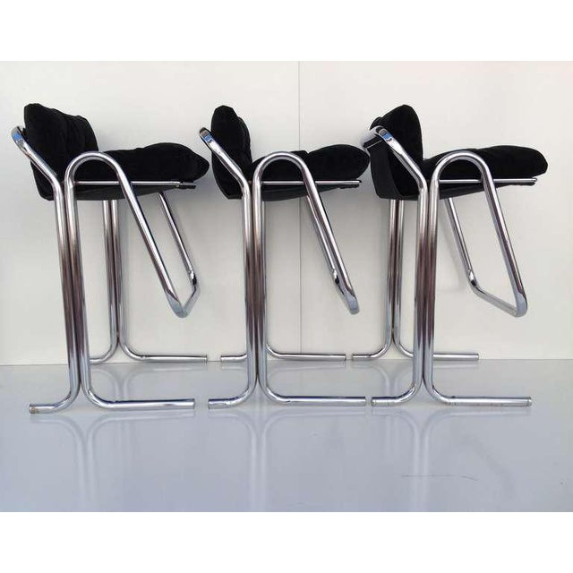 1960s Plush Green & Chrome Bar Stools Designed by Jerry Johnson - Set of 3 For Sale - Image 5 of 9