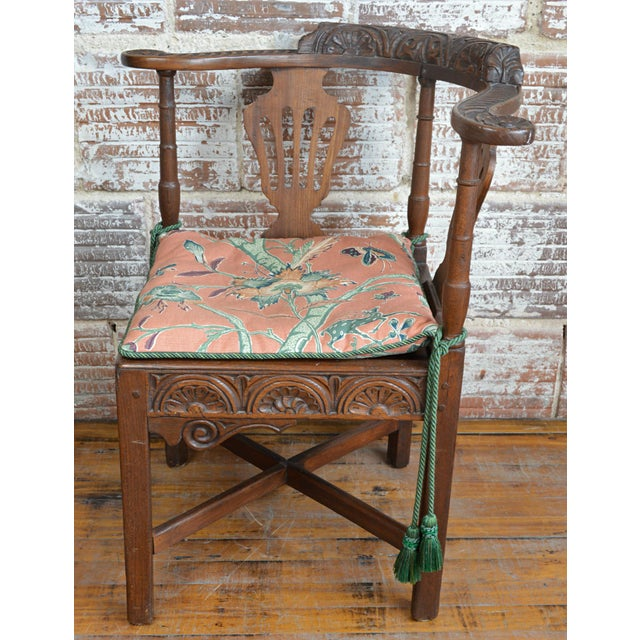 Wood 19th Century Carved Elm Corner Chair For Sale - Image 7 of 13