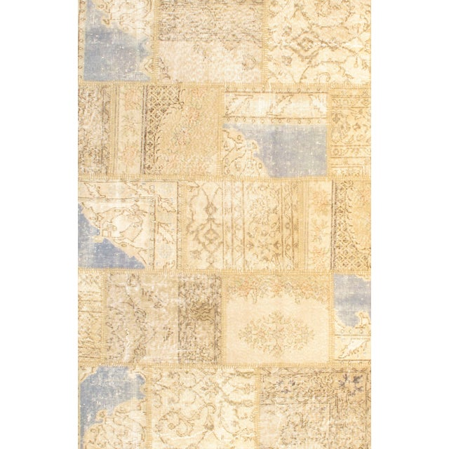 The vintage patchwork design will give your home a sophisticated style. Contemporary design. 100% Lamb's Wool. From Turkey.
