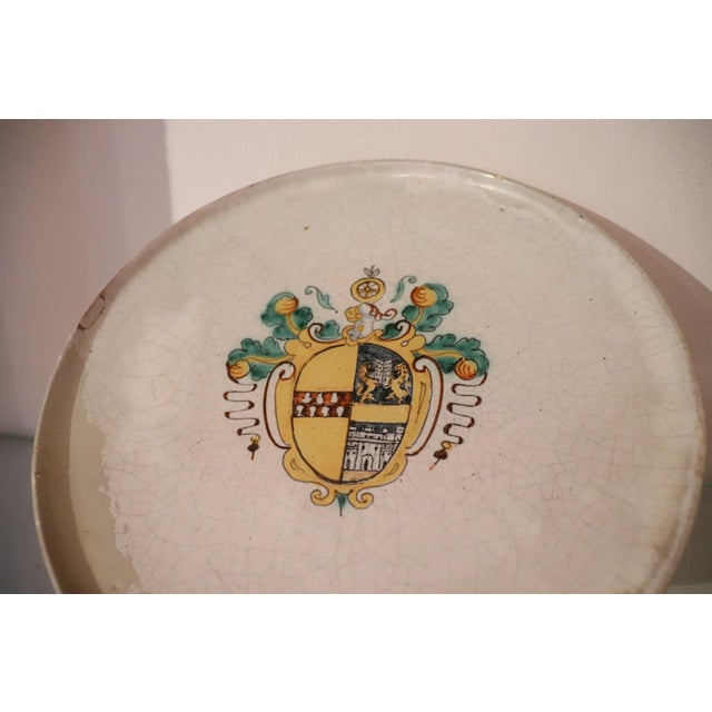 Italian 17th Century Italian Antique Majolica Centerpiece With Emblem, 1680s For Sale - Image 3 of 7