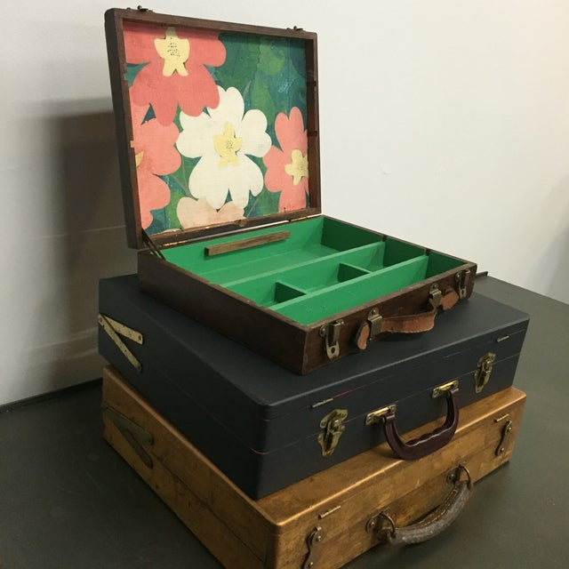 Vintage Artist Box With Green Interior - Image 3 of 7