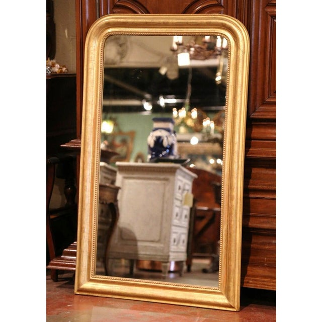 19th Century French Louis Philippe Gilt Wood Mirror With Engraved Floral Decor For Sale In Dallas - Image 6 of 8