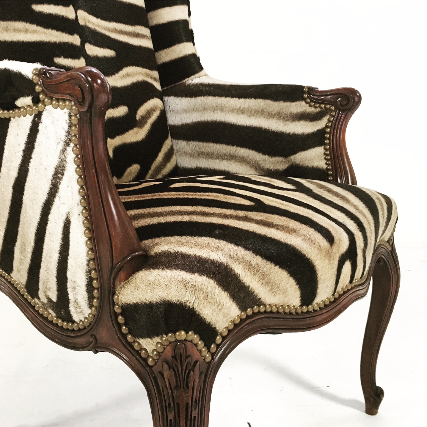 Exceptionnel Vintage English Zebra Wingback Chair   Image 5 Of 10