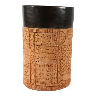 Late 20th Century Jim Summers Pottery Vase Canister With Incised Design For Sale