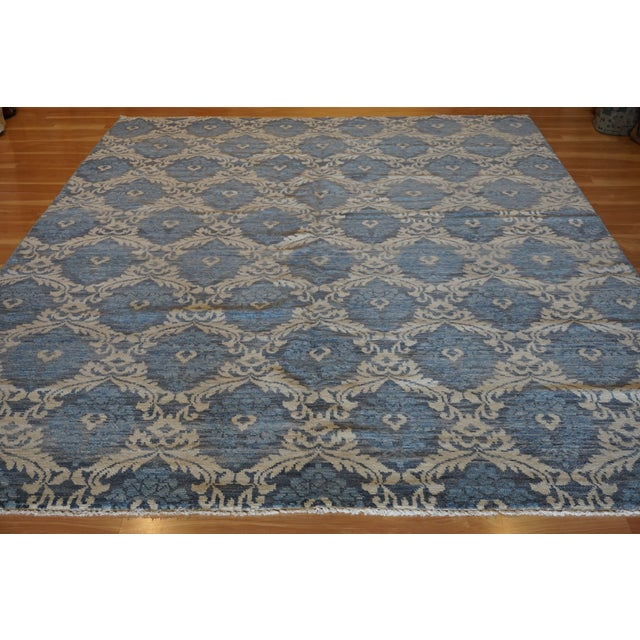 This is handmade hand knotted Modern design Rug that has been produced in India. this is a wool rug with all natural dyes....