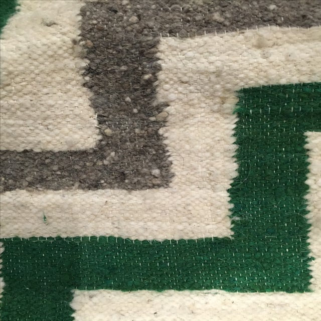 Green & White Wool Flat-Weave Rug - 4′3″ × 5′6″ - Image 4 of 6
