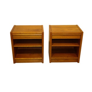 Mid Century Danish Modern Nightstands End Side Tables Pair For Sale