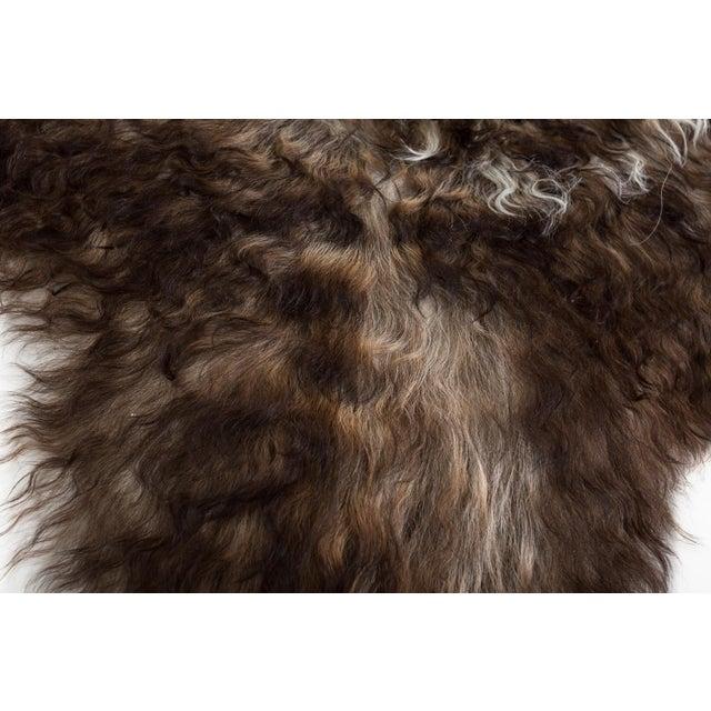 "Contemporary Handmade Wool Sheepskin Pelt Rug -2'2""x3'2"" For Sale - Image 4 of 7"