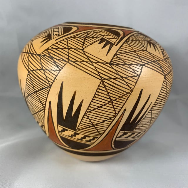 Rustic Late 20th Century Miriam Nampeyo Hopi Polychrome Seed Pot For Sale - Image 3 of 9