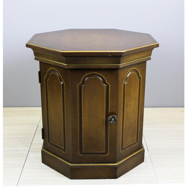 Beautiful vintage side cabinet table with beautiful gold painted accent This beautiful table is nicely design in the...