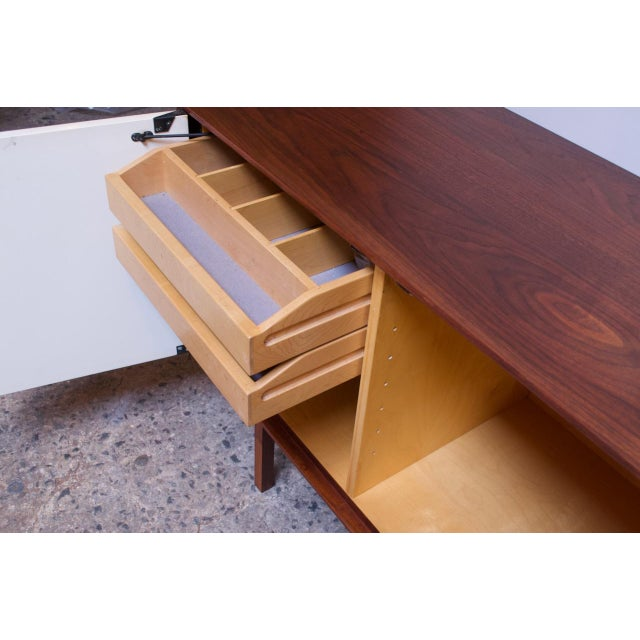 White Vintage Florence Knoll White Lacquer and Walnut Model 541 Credenza / Cabinet For Sale - Image 8 of 13