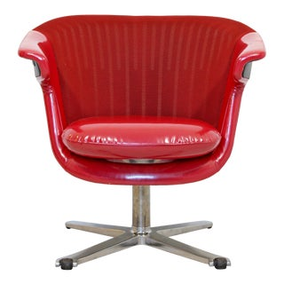 Early 21st Century Modern Steelcase I2i Ergonomic Red Vinyl Swivel Office Armchair For Sale