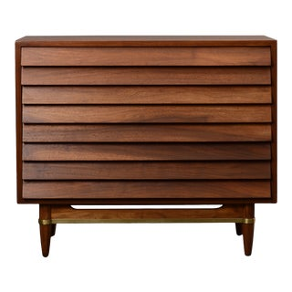 Mid Century Modern Walnut Chest of Drawers For Sale
