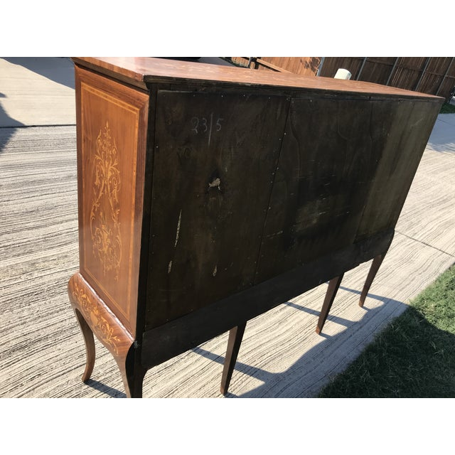 19th Century English Traditional Marquetry Dry Bar Cabinet For Sale - Image 12 of 13
