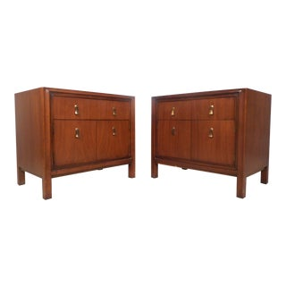 Pair of Vintage Modern Walnut Nightstands by Mount Airy Furniture For Sale