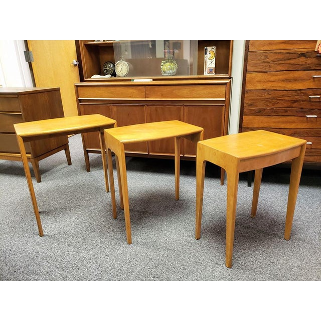 1960s Mid-Century Heywood Wakefield Nesting Tables - Set of 3 For Sale In Richmond - Image 6 of 13