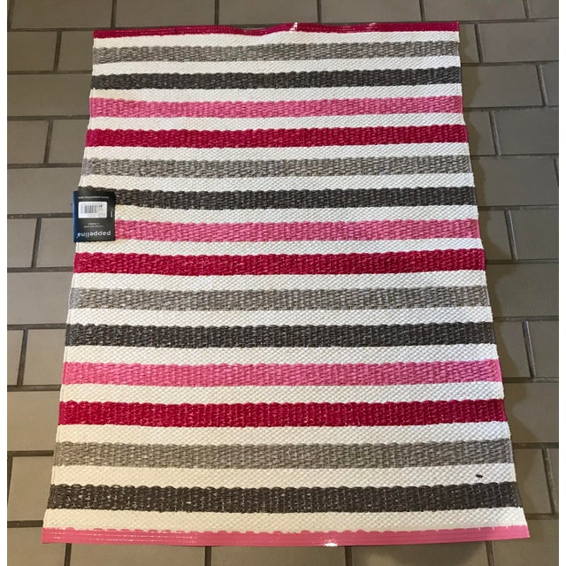 """Mid-Century Modern Swedish Papellina Gray and Pink """"Lisa"""" Rug - 2′4″ × 3′ For Sale - Image 3 of 3"""