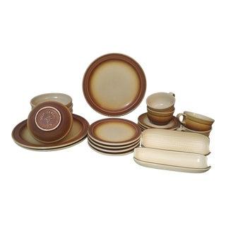 1960s-1970s Vintage Pfaltzgraff Stoneware Village Pattern Dish Set of 22 For Sale