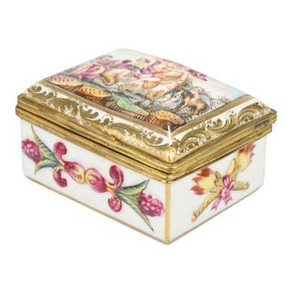 Antique Capodimonte Porcelain Table Snuff or Dresser Box For Sale