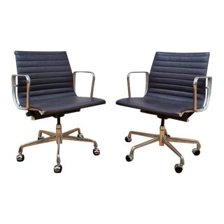 Mid Century Eames Aluminum Group Management Chairs for Herman Miller - Pair For Sale