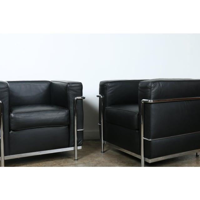 Le Corbusier Le Corbusier Style Black Leather Club Chairs - A Pair For Sale - Image 4 of 11
