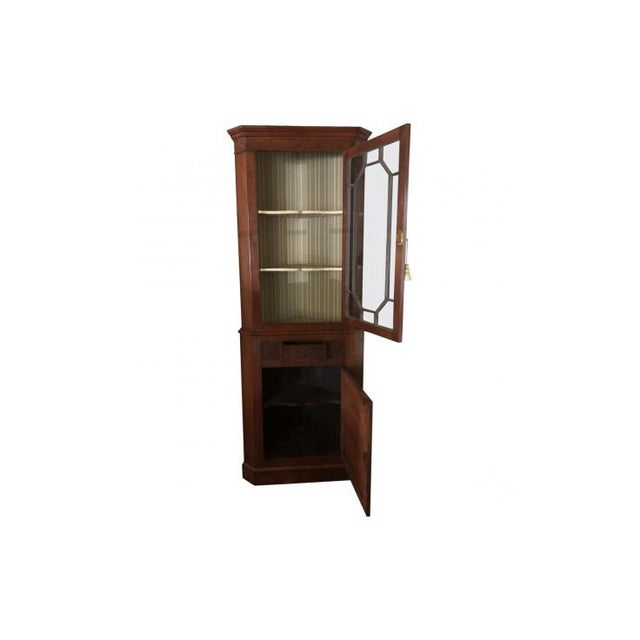 Chippendale 1900s Chippendale Glass Doored Corner Cabinets - a Pair For Sale - Image 3 of 8