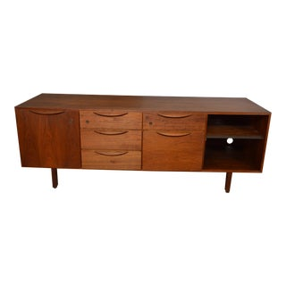 Jens Risom Designs Mid Century Modern Walnut Credenza For Sale