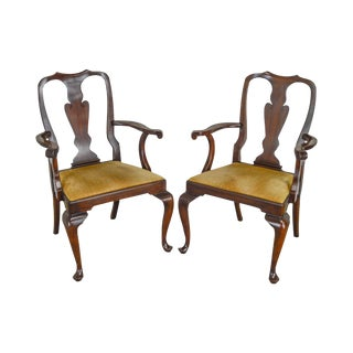 Henkel Harris Queen Anne Style Mahogany Pair of Arm Chairs #110a For Sale